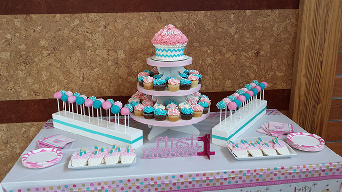 1st bday rental cupcakes cake pops